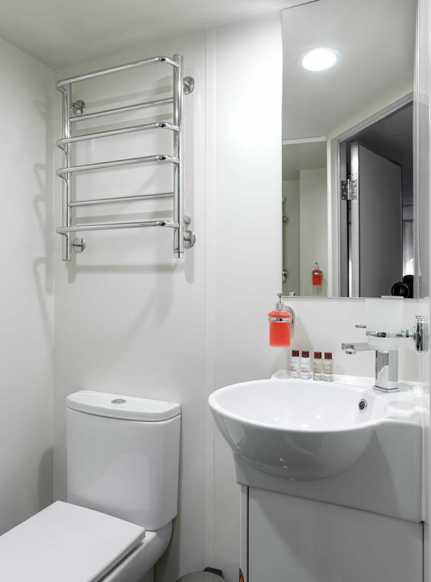 Standard-bathroom2.jpg